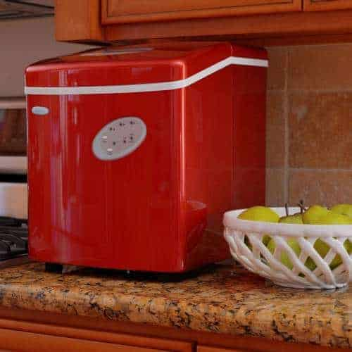 NewAir AI-100R 28 Pounds Icemaker, Red